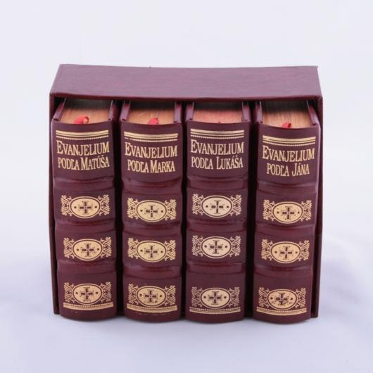 Štyri zväzky EVANJELIÍ v kazete
